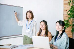 特徴1. 教育資格を持つ経験豊富な講師陣
